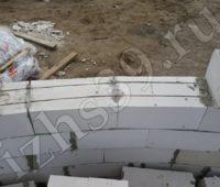 армированная кладка стен из пеноблока фото
