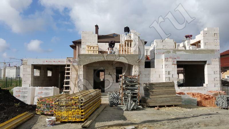 Строительство стен второго этажа из газосиликатных блоков - фото работ